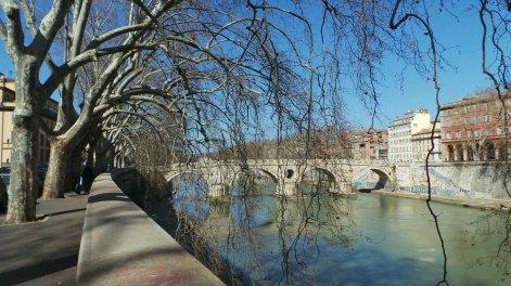 Rome, wandelen langs de Tiber